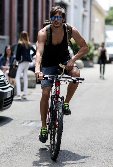 Fit & hot: 10 male models on the street in Milan