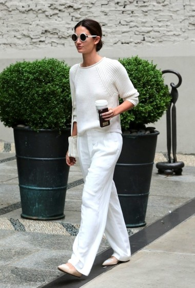 Lily Aldridge Masters A Chic All-White Fall Outfit
