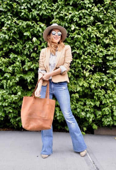 Wide Legged Flare Jeans