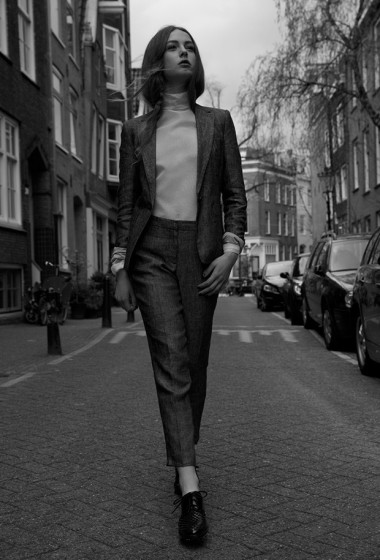 Menswear-inspired maven on the streets of Amsterdam