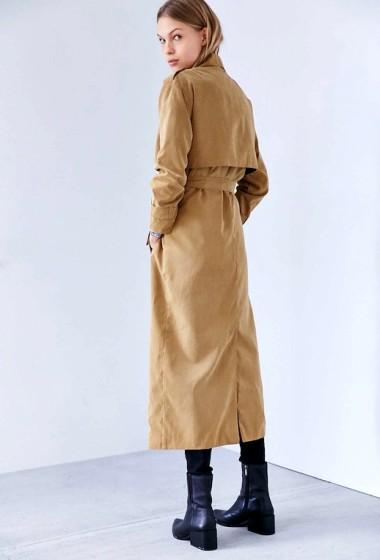 This Trench Coat And Striped Shirt Mix Is A No-Brainer
