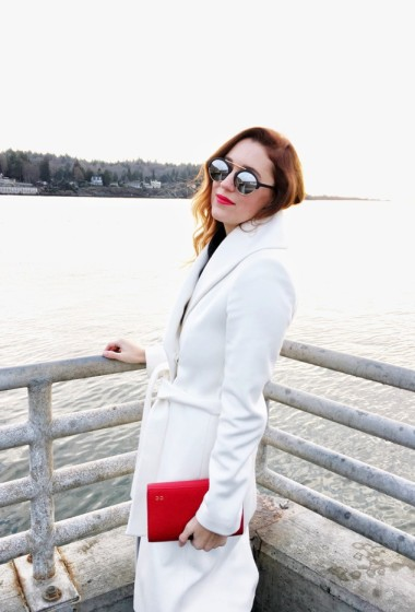 How To Wear A White Coat During Winter