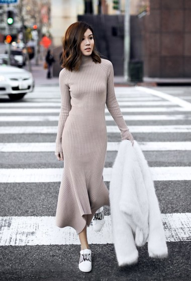 A Sporty-Chic Way To Wear A Ribbed Knit Dress