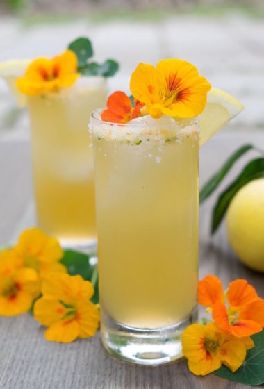 """10 """"Healthy"""" Cocktails to Sip on This Spring"""