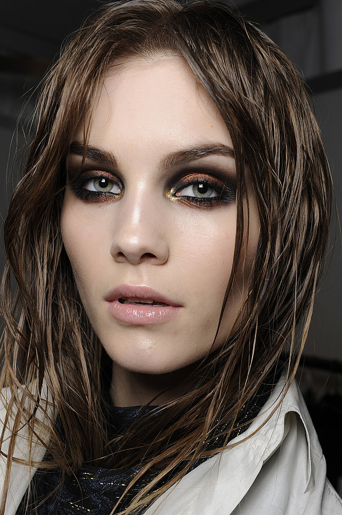 Le Fashion Blog Roberto Cavalli Model Beauty Inspiration Shimmer Smokey Smoky Eye Black Bronze Gold Eyeshadow Pink Lip Gloss Bold Brows Via Popsugar
