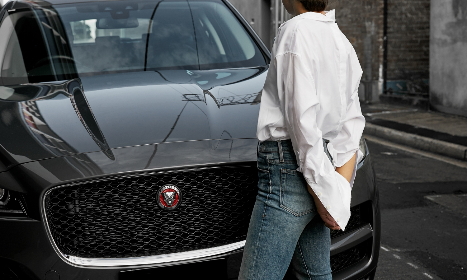 HarperandHarley_Jaguar_Fpace_What-do-you-keep-in-your-car-3